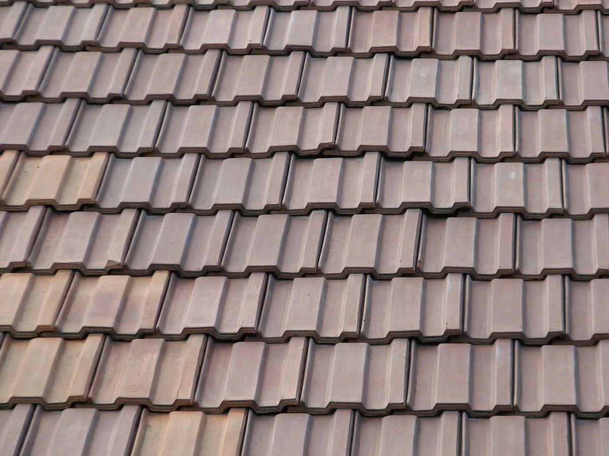 Jak dobrze konserwować dach?